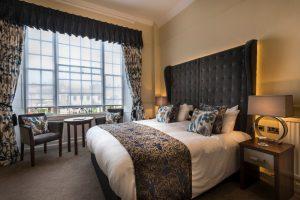 Deluxe double bedroom 2