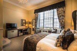 Deluxe double bedroom 3