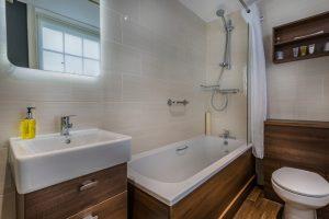 Golden Fleece Classic Double Bathroom Alternate 2