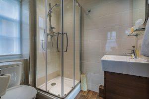 Golden Fleece Superior Double Bathroom 1