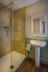 Golden Fleece Superior Double Bathroom Alternate 2